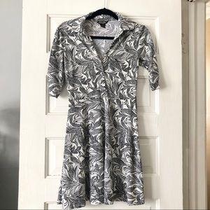 Guess floral/leaf print button dress